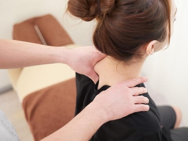全身の骨格を整える施術で正しい姿勢へと導きます