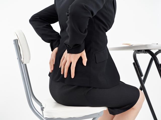 骨盤の歪みから来る不調に悩む女性